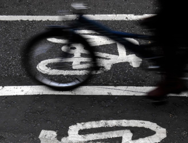 Drivers Could Be Fined for Getting to Close to Cyclists