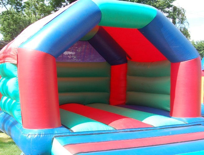 "Warning To Parents About ""Death Trap"" Bouncy Castles"