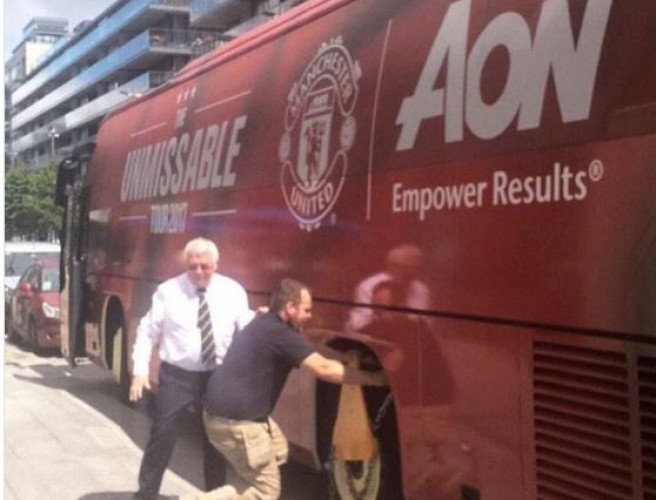 Manchester United Bus 'Clamped' In Dublin
