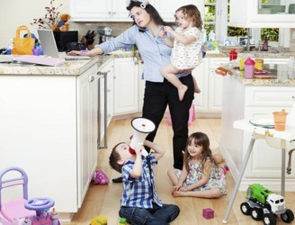 Woman Makes Nasty Comments About Stay At Home Mums