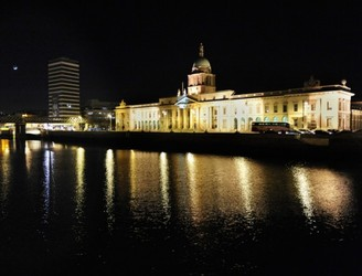 Dublin Gets New Liffey Light Show To Ring In New Year