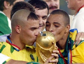 Ronaldo explains his infamous 2002 World Cup hair