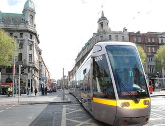 Disgusted Woman Exposes Ant-Social Behaviour On Luas