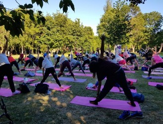 There's Free Weekly Yoga Classes In Merrion Square