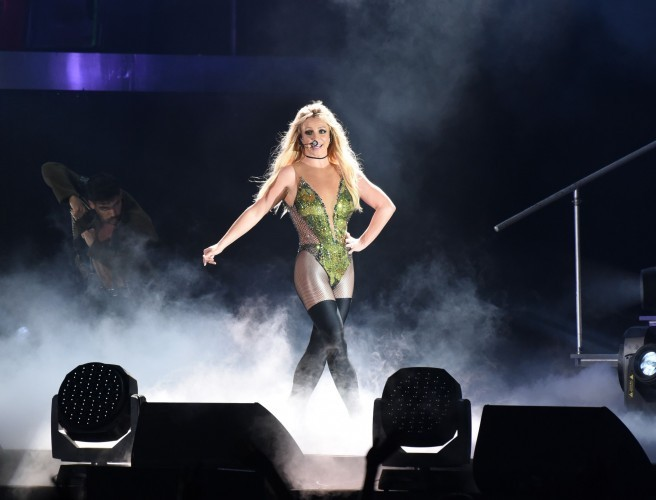 britney spears, britney, 3arena, piece of me tour,