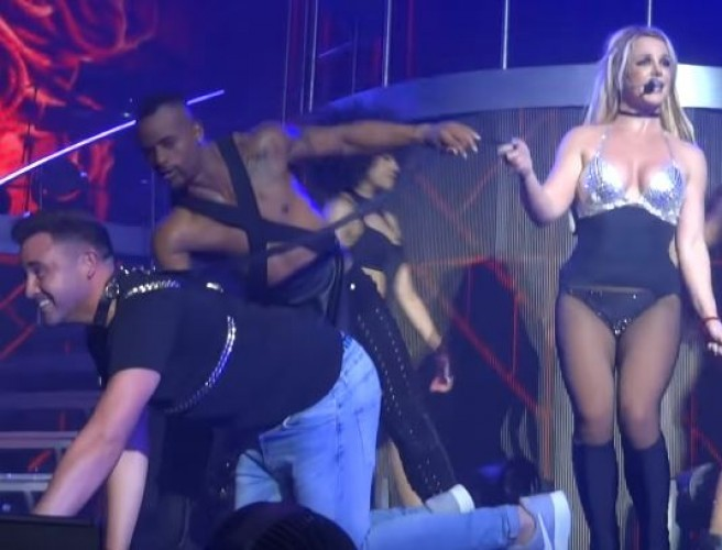 WATCH: Britney Spears Puts Dog Lead On Fan During Dublin Gig