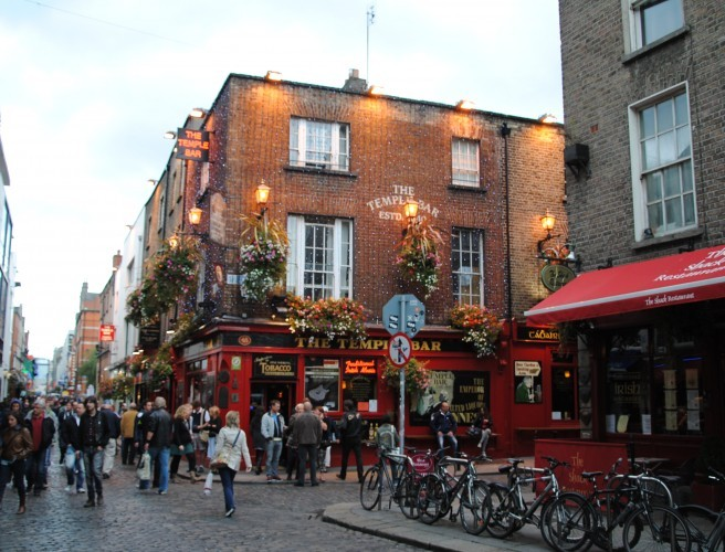 New Temple Bar Mural To Celebrate Iconic Dublin Phrases
