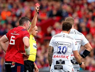 Keith Wood and Eddie O'Sullivan react to the Cipraini red card decision