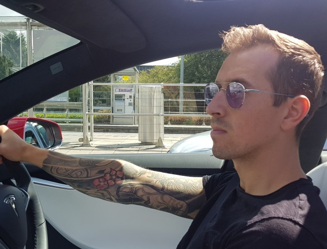 WATCH: 98FM's Luke O'Faolain Takes A Spin In A Tesla Model S